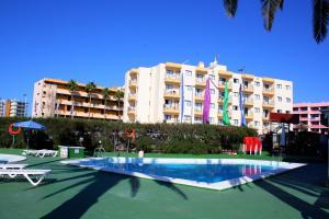 Het zwembad bij of vlak bij Alsol Roca Verde