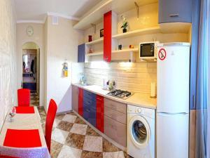 A kitchen or kitchenette at Apartment Barilyef