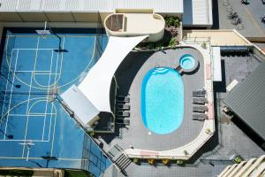 A view of the pool at BreakFree Cosmopolitan or nearby