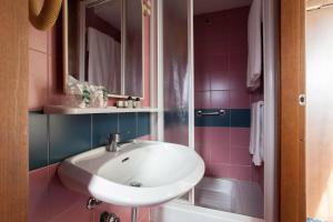 A bathroom at Residence Lepontina