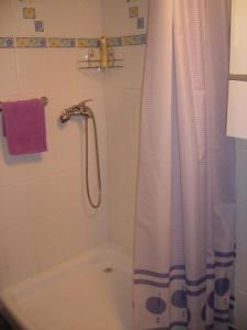 A bathroom at Apartment Ranč Dobro Prase