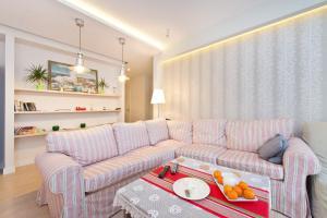 Lounge oder Bar in der Unterkunft 777 Apartments & Cars _ Main City