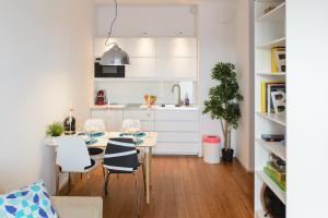 Kuchnia lub aneks kuchenny w obiekcie Aquarius Apartment
