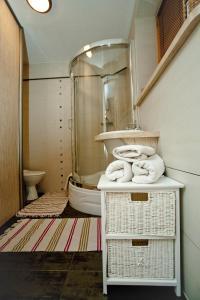 A bathroom at Apartament Rodzinny Limba