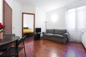 A seating area at Panfilo Castaldi 37