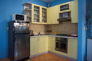 Kuhinja ili čajna kuhinja u objektu Apartment Giro