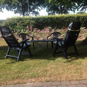 A garden outside Hoeve Het Verre Einder
