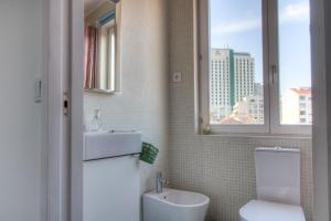 A bathroom at Your OWM Porto