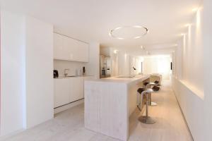 Küche/Küchenzeile in der Unterkunft London Lifestyle Apartments – Knightsbridge – Hyde Park