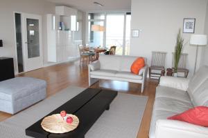 Een zitgedeelte bij Port Scaldis Apartment