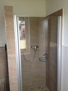 Ein Badezimmer in der Unterkunft Ferienwohnung zum Breitling