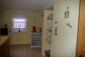 Küche/Küchenzeile in der Unterkunft Ferienwohnung In der Kehr