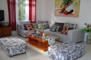 Zona de estar de Panglao Beach House