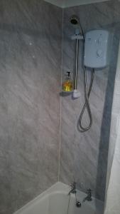 A bathroom at 4B Wentworth Street Apartment