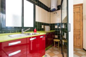 A kitchen or kitchenette at Calatrava