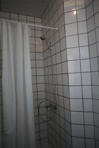 A bathroom at Brasserie Grenier Apartment