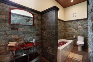 Um banheiro em Dewi Sri Private Villa