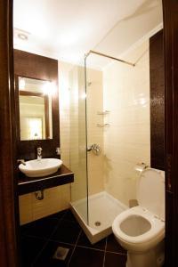 Ένα μπάνιο στο Theros Hotel