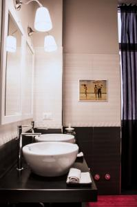 A bathroom at Only One Luxury Apartment