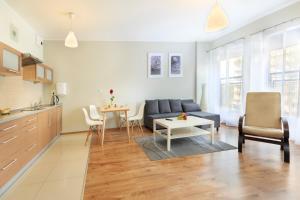 A seating area at Apartamenty Aparts
