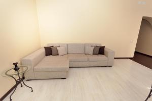 A seating area at Apartment Grand Kazan near Kremlin