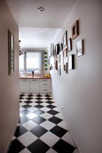 A kitchen or kitchenette at Best Location Apartment Bernardyńska