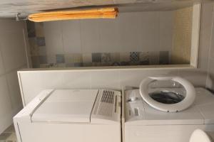 A bathroom at Paterna Rent A Loft