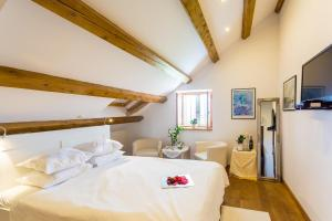 A bed or beds in a room at Villa Anica