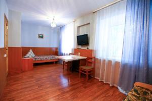 Телевизор и/или развлекательный центр в Novosel