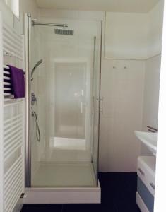 Ein Badezimmer in der Unterkunft Holiday Home Dee/Syre am Erlenhofsee