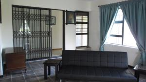 A seating area at Wolhuter Holiday Accommodation