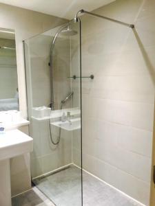 Ein Badezimmer in der Unterkunft Hestia Travel London