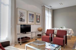 Salon ili bar u objektu Habitat Apartments Rambla Deluxe