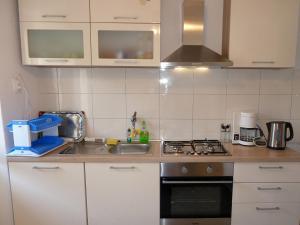 Küche/Küchenzeile in der Unterkunft Kastela stone town house
