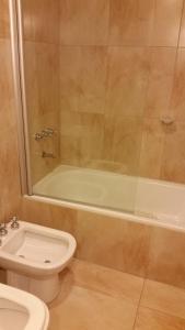 Un baño de Centro Cívico departamentos