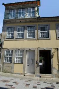 The facade or entrance of Porto.arte guest apartments