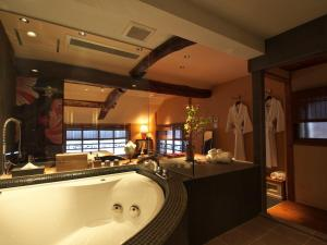 A bathroom at Yadoya Dejavu