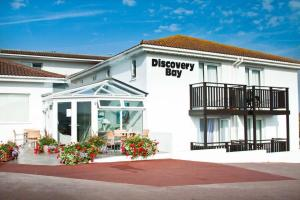 The facade or entrance of Discovery Bay