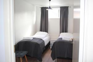 A room at Bay View Apartments