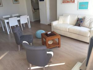 The lounge or bar area at 2 Bedrooms Appartement In Central Location on the famous Place Massena Nice