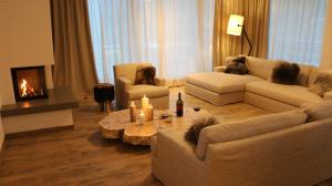 Lounge oder Bar in der Unterkunft Adler Resort