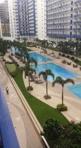 A view of the pool at CNholy Condo or nearby