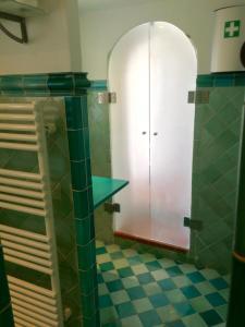 A bathroom at Maison d'Elie