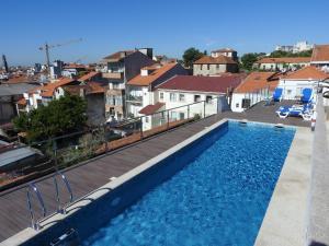 Majoituspaikassa Porto Náutico tai sen lähellä sijaitseva uima-allas