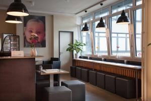 The lounge or bar area at Aparion Apartments Hamburg