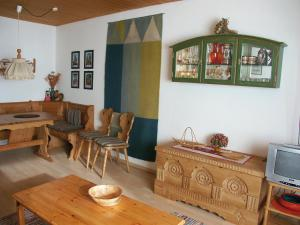 The lounge or bar area at Apartment Point.1