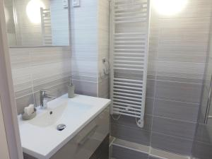 A bathroom at Apartment Acapulco.2