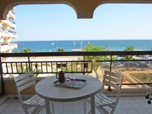 A balcony or terrace at Apartment Acapulco.2