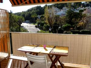 A balcony or terrace at Apartment Les Aigues Marines.36