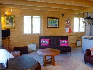 Ein Sitzbereich in der Unterkunft Chalet Le Bon Appart